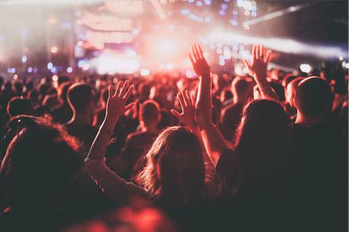 "COVID-19 leaves Aussie music festivals a ""massive gamble"""