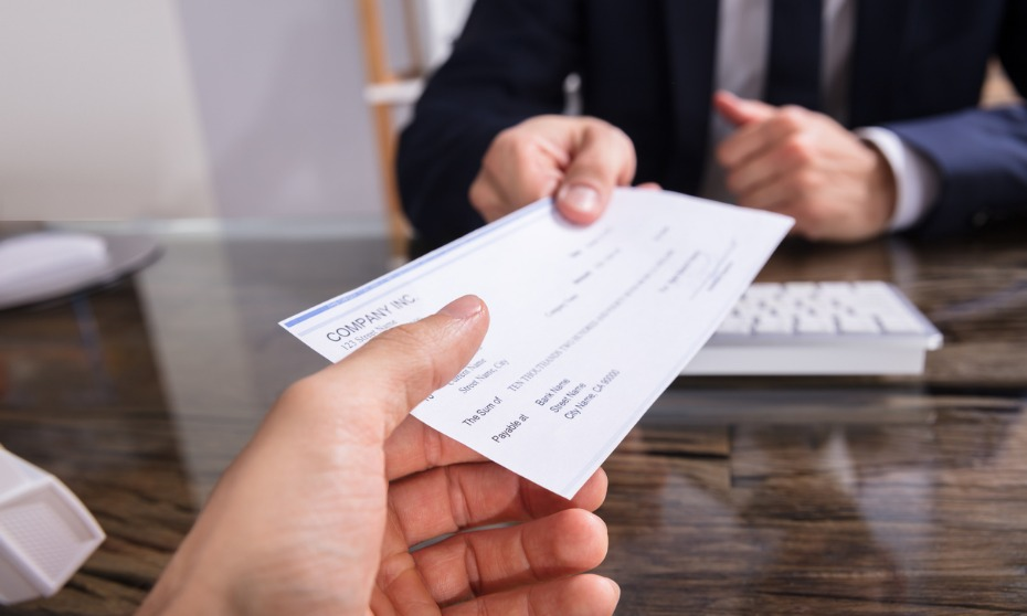 Should bosses have to pay back their bonuses?