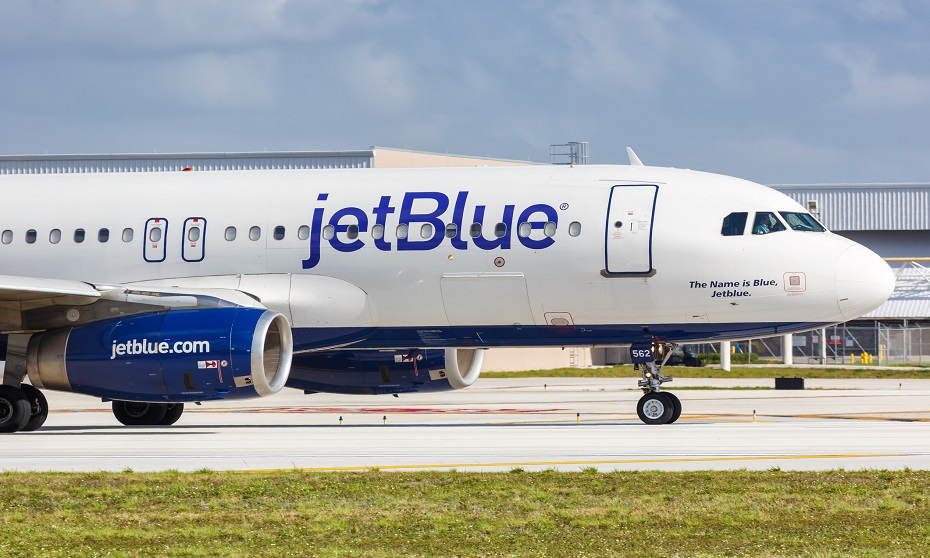 JetBlue apologizes for worker's 'offensive' Halloween costume