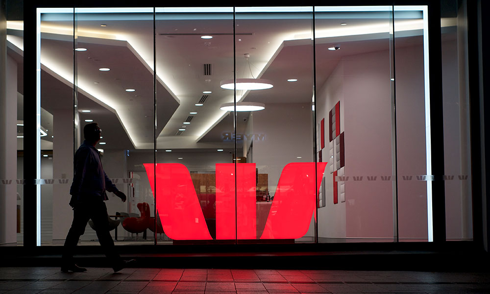 Westpac to repay $8m to 8,000 workers