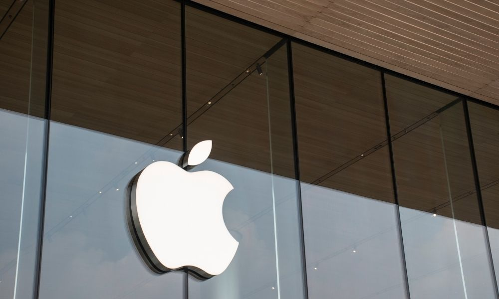 Apple manager claims she was put on leave after 'sexism' tweet