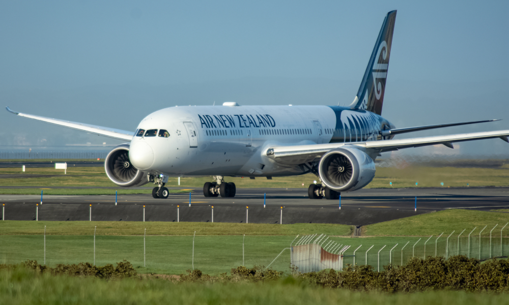 Air NZ defends issuing share rights to CEO Greg Foran after job losses