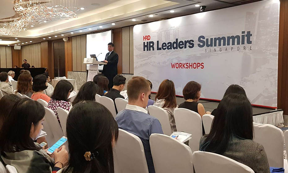 HR Leaders Summit begins with a bang