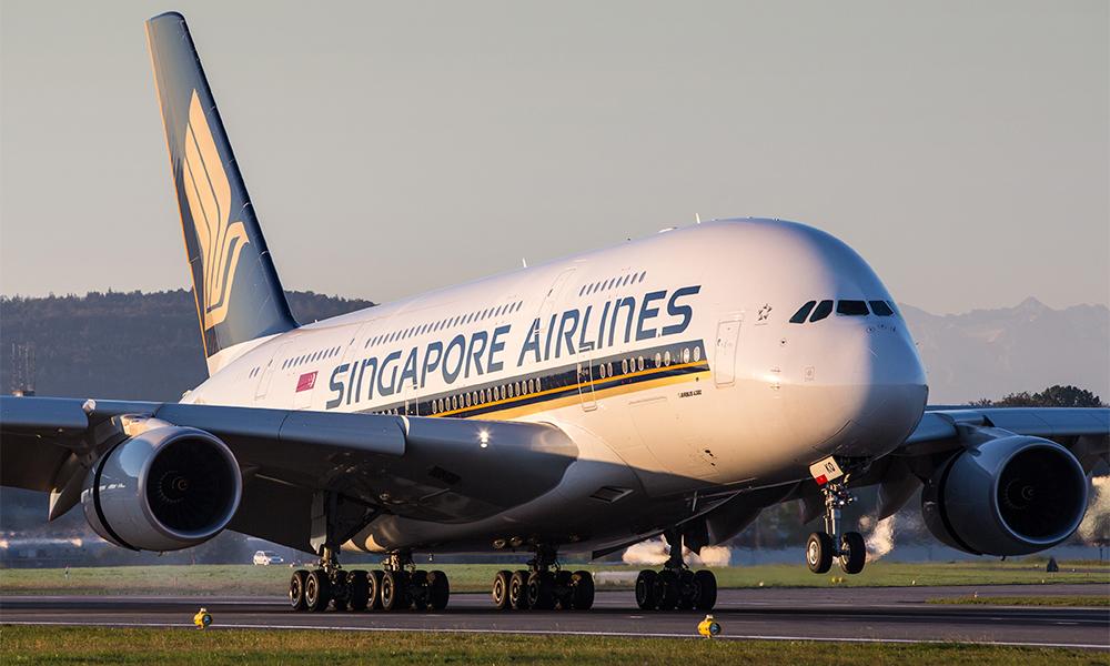 Singapore Airlines freezes hiring amid coronavirus