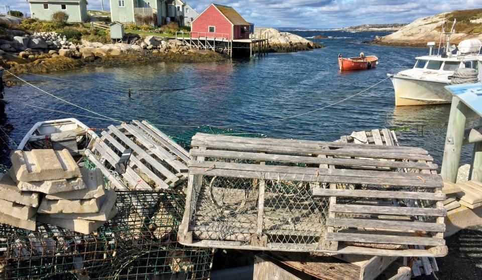 Nova Scotia encouraging safety as lobster season begins