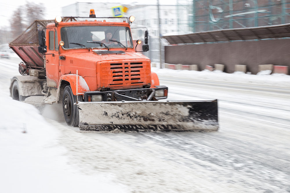 Saskatchewan reminds public to drive safely to protect snowplow operators