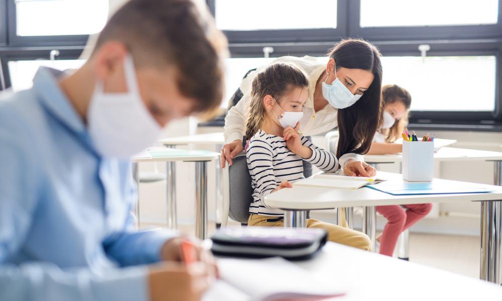 Alberta requires wearing of masks in schools