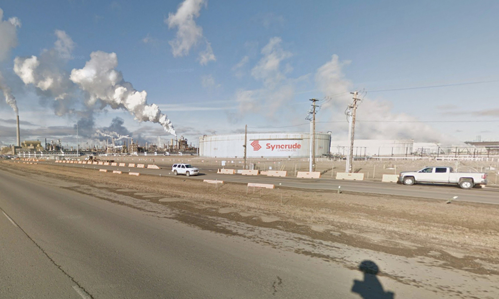 Syncrude investigates death of contract worker