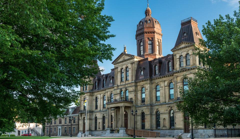 New Brunswick revises self-isolation, work-isolation protocols