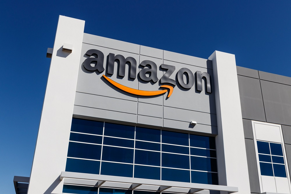 Amazon dips toes into legal services