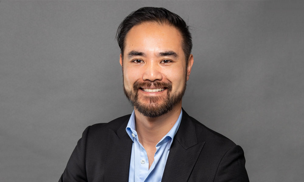 James Nguyen, R Financial Service