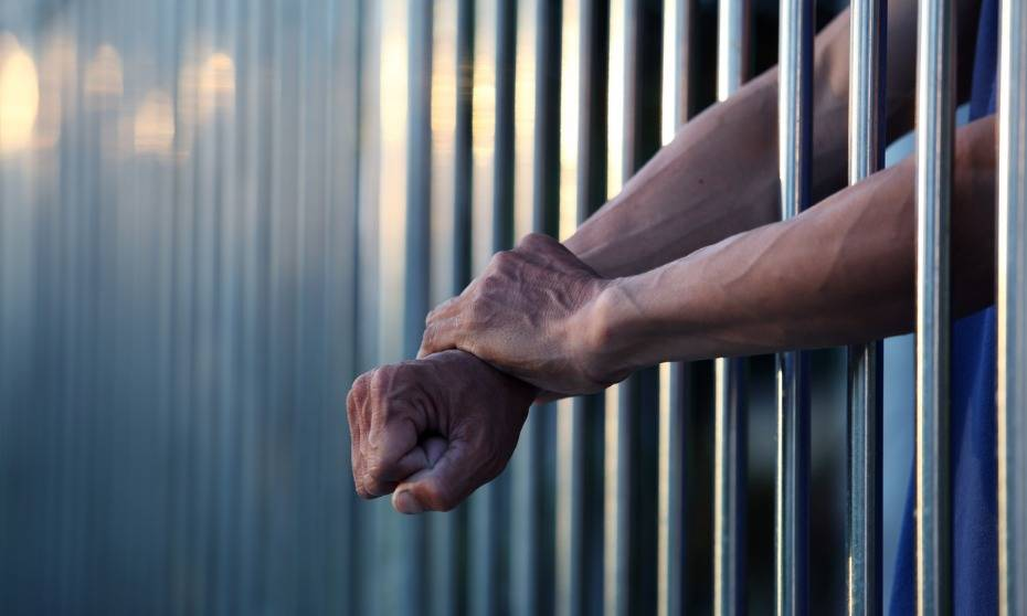 Access to their legal representatives compromised for many prisoners, study finds