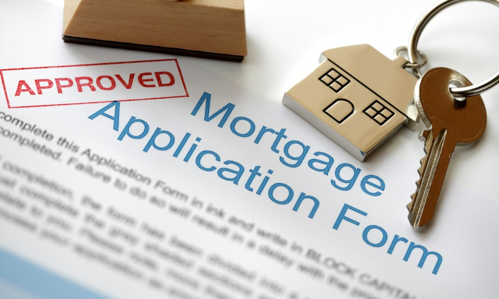 Mortgage applications slow down as rates spike