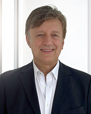 Rocky Foroutan, Chief executive officer