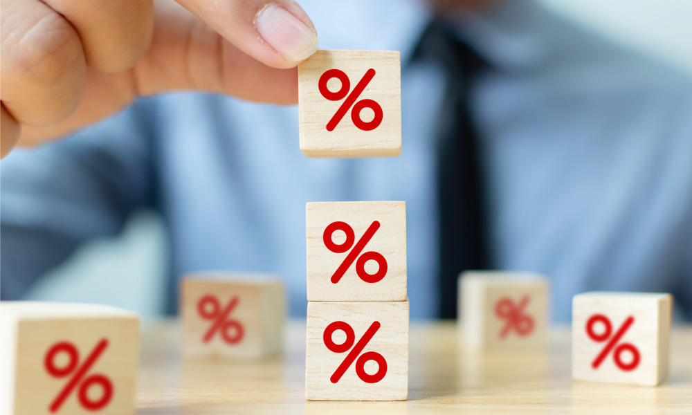 US mortgage rates barely budge