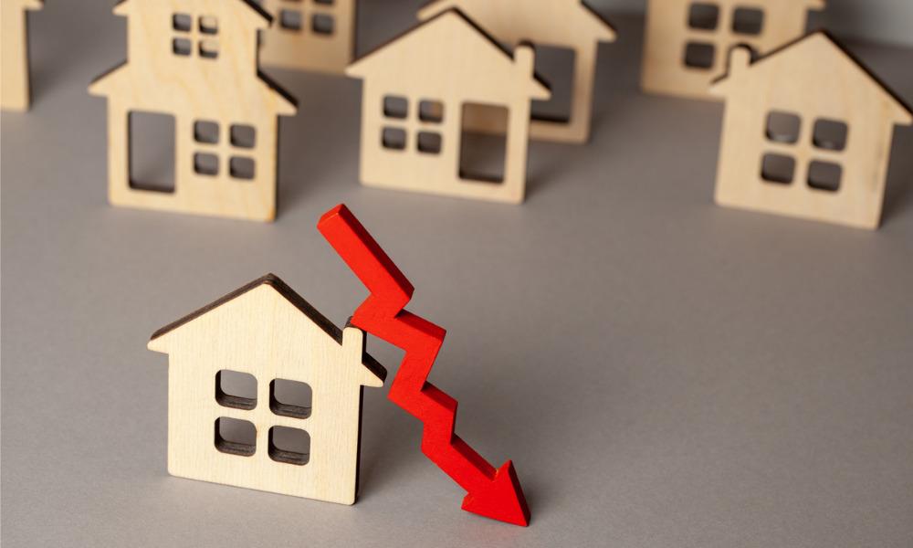 "Home buyers remain ""doubtful"" despite predictions of rapid price drop"